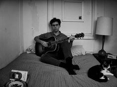 Evadé de Parquet Courts, Andrew Savage nous offre un premier album solo pétri de qualités, une épopée western crépusculaire en direct de New-York. Thawing Dawn est sorti chez Dull Tools.   #2017 #AndrewSavage #DullToolsRecords #parquetcourts