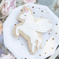 A children's unicorn birthday party dessert idea.