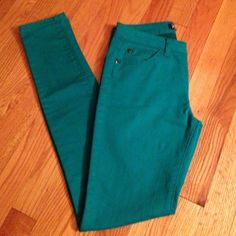 skinny jeans! blue/green skinny jeans. front and back pockets and belt loops. preloved but in great condition! XXI Jeans Skinny