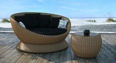 Hotspot Outdoor Rattan Swivel Bed