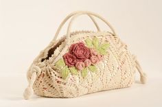 Outstanding #Crochet: Romantic Doily Bag with roses.