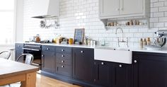 contrast grout, dark grout, subway tiles, white kitchen, splashback
