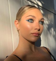 Maddie Ziegler, Maddie And Mackenzie, Blue Eyeshadow, Dance Fashion, Retro Outfits, Makeup Inspo, Color Pop, Makeup Looks, Eye Makeup
