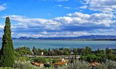 Le Vele Blu di Legambiente sventolano anche sul Trasimeno. #visitumbria #umbria #iloveumbria #lagotrasimeno