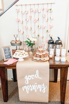 This Pink, Spring Grab and Go Breakfast party theme was the most fun party ever! Find a recipe for the best ever, easiest ever scones! Read for party planning tips and ideas! Find quick and easy, grab and go breakfast and brunch ideas! Brunch Mesa, Brunch Decor, Breakfast Party Decorations, Birthday Breakfast, First Birthday Brunch, Wedding Breakfast, Grab And Go Breakfast, Baby Shower Brunch, Festa Party