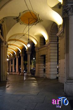 Portici di Torino (foto di ©artoblog) #torino #night #italy Best Places In Europe, Haridwar, Turin Italy, World Of Darkness, Great Life, Heaven On Earth, Beautiful Landscapes, City, Colorado