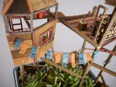 Die kleinsten Baumhäuser der Welt: Jedediah C. Voltz schmückt Zimmerpflanzen mit Miniatur-Häusern. Voller Details und Mini-Ideen.