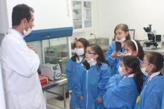 La Konrad Lorenz hizo parte de la Brain Awareness Week, Organizada por la DANA Foundation, con dos actividades académicas y lúdicas fueron ofrecidas por la institución como parte del acercamiento de niños y jóvenes al fascinante mundo del cerebro y sus implicaciones. Más información en: http://uklz.info/BAWbog14
