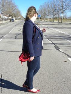 Bombonera & Navy.LOOKS CASUALS. www.loslooksdemiarmario.com #loslooksdemiarmario #winter #outfitcurvy #invierno #look #lookcasual #lookschic #tallagrande #curvy #plussize #curve #fashion #blogger #madrid #bloggercurvy #personalshopper #curvygirl #primark #lookinvierno #azulmarinoyrojo #blazzer #jean