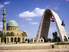 Iraq, Baghdad, Mosque and Arch to unknown soldier xxx Bagdad, Islamic Architecture, Beautiful Architecture, Beautiful Mosques, Beautiful Places, Amazing Places, Cool Places To Visit, Places To Travel, Travel Destinations