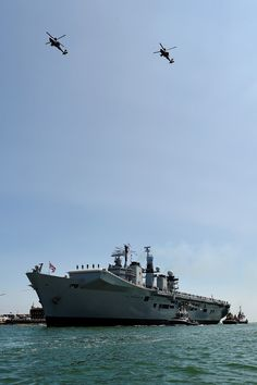 The home of the official Royal Navy newspaper, Navy News Navy News, Hms Illustrious, Navy Carriers, Royal Marines, Armada, Military Life, Aircraft Carrier, Royal Navy, Newspaper