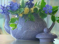 *A teapot full of posies for my friends!