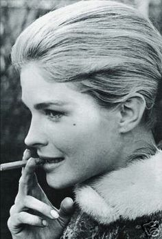 Picture of Candice Bergen Candice Bergen, Smoking Celebrities, Women Smoking, Julie Christie, New Actors, Good Cigars, Canadian Actresses, Black And White Portraits, Famous Women