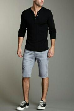 I really like the shorts are at the knee rather than above, like everyone wears them nowadays. This is so much classier. Men's Fashion