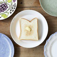 4,325 個讚,5 則留言 - Instagram 上的 北欧、暮らしの道具店(@hokuoh_kurashi):「 トーストにおすすめなのは、21~23cmプレートです!トーストを一枚のせたときに、さみしくならずに、余白もちょうどいいんです。  #北欧暮らしの道具店 」