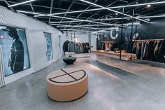 Have a Look Inside NikeLab's New Chicago Location: With a bevy of opening releases including the latest ACG outerwear range. Interior Design Studio, Modern Interior Design, Interior Design Inspiration, Interior Ideas, Retail Interior, Best Interior, Leather Furniture, Home Furniture, Chicago Location
