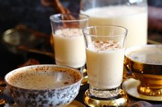 Sugar-Free Homemade Keto Eggnog Recipe made with Almond Milk is Deliciously smooth and perfectly creamy. Must on the table during your next holiday season. Spicy Recipes, Sweet Recipes, Keto Recipes, Keto Foods, Keto Snacks, Egg Nogg Recipe, Low Carb Deserts, Homemade Almond Milk, Keto Brownies