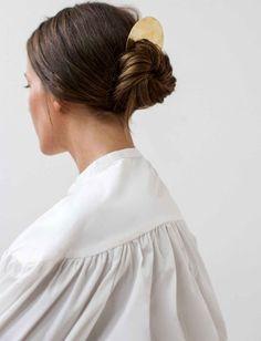 Idée Tendance Coupe & Coiffure Femme 2017/ 2018 : Le peigne de cheveux un accessoire trop souvent sous-estimé !