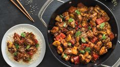 General Tao Chicken Perfectly balance your plate: Serve with 1 cup rice and 1 cup steamed veggies. General Tao Chicken, Poulet General Tao, Epicure Recipes, New Recipes, Dinner Recipes, Chicken Recipes, Epicure Steamer, Clean Eating Chicken, Kitchens