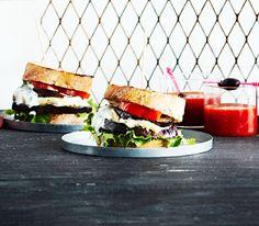 Munakoisopihvillä ja vuohenjuustolla täytetty hampurilainen ei häviä maussa yhtään lihaisalle versiolle.