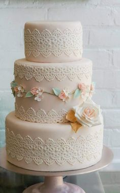lace wedding cake #5