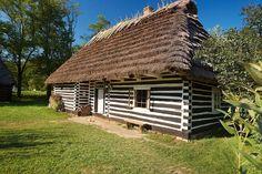 Skansen w Sanoku Vernacular Architecture, Art And Architecture, Carpathian Mountains, House Doors, Krakow, Modern Classic, Countryside, Around The Worlds, Cottage