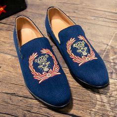 New Fashion Men Velvet Shoes With Crown Embrodiery for Men Party&Wedding Handmade Loafers Men Dress Shoe Men's Fllats