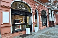 Atelier Lilou in Bydgoszcz, Poland Address : ul. Gdańska 14, 85-005 Bydgoszcz Opening hours :  Mon-Fri: 11:00 - 19:00 Sat-Sun: 11:00 - 16:00 Contact:  tel: 00 48 797 334 338  email: bydgoszcz@lilou.pl