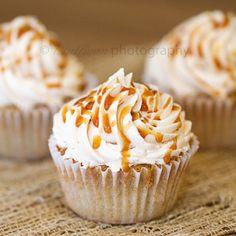 Carmel Apple Pie Cupcakes with Vanilla Carmel Buttercream Frosting  (autumn, Honey Crisp apples, fall, harvest, Hallowen, cinnamon, homemade, dessert)