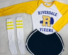 - riverdale halloween costumes Meia River Vixens – Riverdale Source by - Teen Fashion Outfits, Outfits For Teens, Girl Outfits, Cute Lazy Outfits, Trendy Outfits, Riverdale Halloween Costumes, Riverdale Shirts, Riverdale Fashion, Riverdale Cole Sprouse