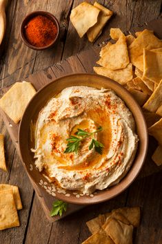 Buy Healthy Homemade Creamy Hummus by on PhotoDune. Healthy Homemade Creamy Hummus with Olive Oil and Pita Chips Sous Vide Pot Roast, Sous Vide Chuck Roast, Sous Vide Cooking, Easy Hard Boiled Eggs, Cooking Hard Boiled Eggs, Hummus, Egg Recipes, Healthy Recipes, Healthy Food