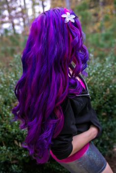 hairbylizzy:  Mission purple curls has been successful.Please note: I get asked if I use extensions all the time and I see my hair used to promote selling extensions, which is false advertisement. This is all my real hair. Manic Panic Deep Purple DreamManic Panic Hot Hot PinkManic Panic Electric Lava