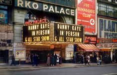 Times Square - 1950 Nyc Pics, Star Show, Opening Night, Color Photography, Sunny Days, Good Times, Palace, Times Square, Paris