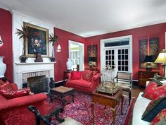 $2.5M Florida Plantation House is really quite nice. Check out those plates when you see them tho. LOL