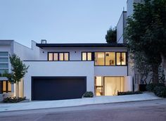 Skyhaus by Aidlin Darling Design, San Francisco. Esherick House, Rendered Houses, White Exterior Houses, San Francisco Houses, Facade House, House Facades, House Extensions, Location, Home Interior Design