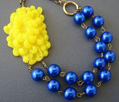 Cobalt bleu collier déclaration fleur collier Bijoux bleu marine jaune collier demoiselle d'honneur bijoux Double brin nautique cadeau de mariage