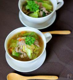相性の良い牛肉とレタス トマトで作った具沢山のスープ煮です。