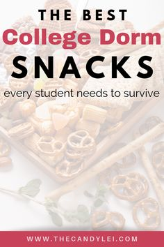 Help your college student thrive with a care package of the best dorm snacks. These tasty and healthy college snacks will help them as they spend hours in the library preparing for midterms or finals. Best College Dorms, College Hacks, College Fun, College Life, College Students, Diy Dorm Decor, College Dorm Decorations, College Workout, College Fitness