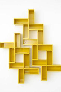 Folha de S.Paulo - Classificados - Imóveis - Estantes coloridas e com formas geométricas dão estilo à decoração - 18/03/2013