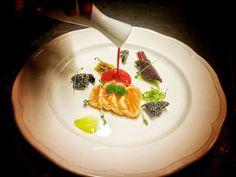 #gourmetartistry#chefstalk#gastronomy#truecooks#foodstarz#gastroart#theartofplating#beautifulcuisines#igers#greece#foodie#athens#foodporn#foodstyle#chefsofinstagram#thestaffcanteen#cookniche#berlinerspeisemeisterei#salmon#tataki by chef_akis