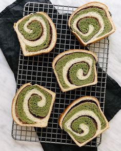 <--things that make Monday better. Recipe for this matcha azuki Hokkaido milk bread (inspired by Aki Boulanger) coming to the blog soon! #fixfeastflair