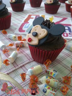 cupcakes mickey Cupcakes, Desserts, Food, Cold Porcelain, Tailgate Desserts, Deserts, Cupcake, Meals, Cupcake Cakes