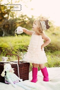 I want to do a picnic shoot when Crew gets old enough to listen, bc they have tea parties all the time.  Love the crown! Pink Boots, Pink Uggs, Girl Photography, Toddler Photography, Photography Ideas, Tea Parties, Photo Shoot, Poses Photo, Photo Props