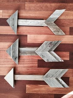 Rustic Home Decor | Rustic Arrow | DIY | Wood Arrow | Wood Sign | Fall Decor | DIY Chalkboard | Rustic | Shabby Chic | Coffee Table | Living Room