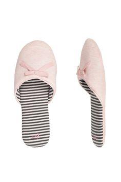 women'secret. Slippers Bow mule slippers