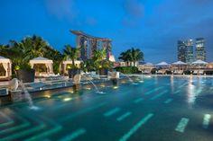 Swimming pool @ Mandarin Oriental Hotel, Singapore