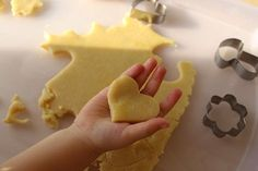 Boyfriend Gifts, Cookie Cutters, Food And Drink, Cookies, Desserts, Projects, Recipes, Easy Biscuit Recipe, Homemade Biscuits