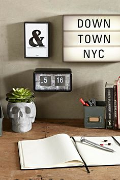 Create your own message with a Mini Light Box by Typo