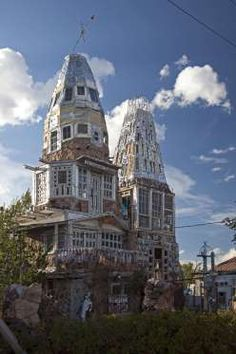 """Cano's Castle - Colorado, United States: This society workmanship """"château"""" was constructed by Native American and Vietnam veteran Donald Cano Espinoza. The structure is produced using lager jars, center point tops and other scrap materials."""