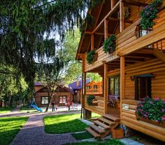 Recreation and health complex Vernygora Modrychi Featuring wooden cottages in a peaceful, ancient forest beside Modric village, Spa Vernygora offers free Wi-Fi. Facilities include a tennis court, football pitch and spa with indoor pool, steam bath and gym.